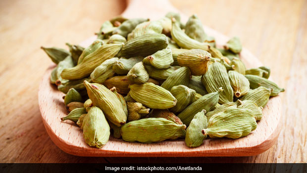 Wonderful Cardamom Oil Benefits You Should Definitely Know About