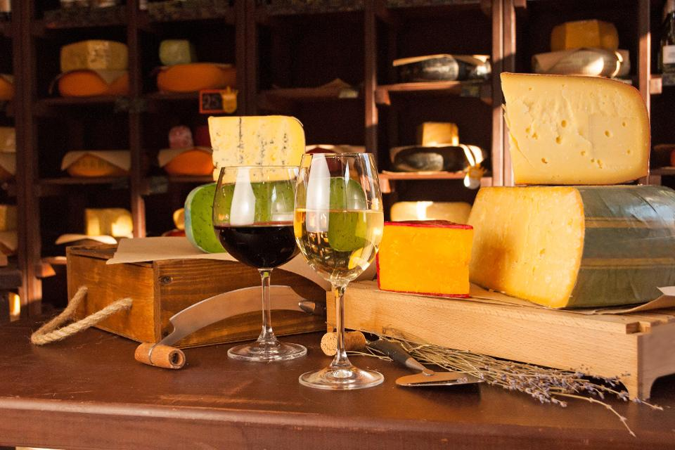 A New Look At The Wine And Cheese Marriage