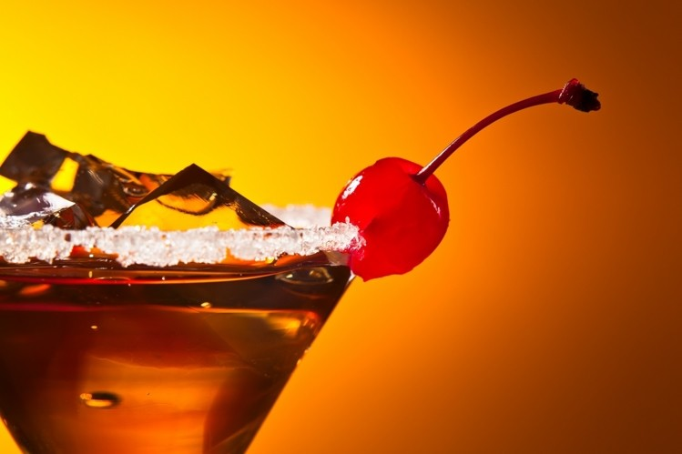 Alcoholic drink trends: Rum cocktails, gin with a garnish, and premium mixers