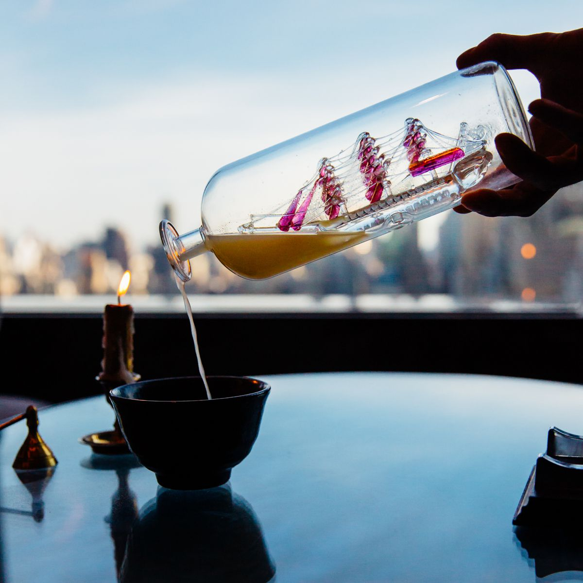 Flavor symbiosis of drinks and dishes with multisensory presentations: Omakase Style Cocktail Bars