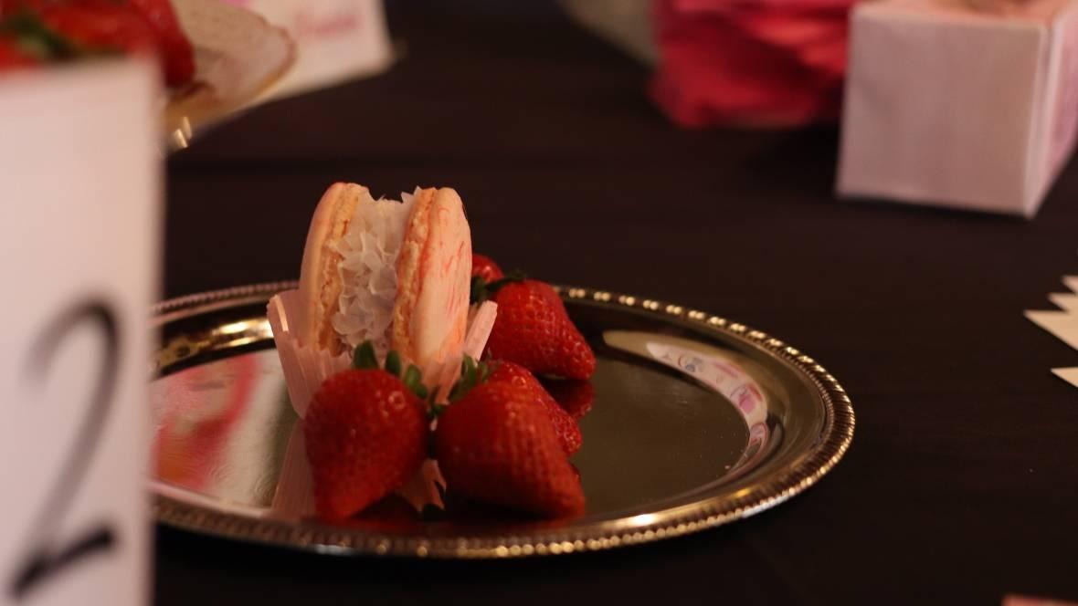 Ice cream-macaron sandwiches and vegan, gluten-free ravioli win at food competition | CBC News