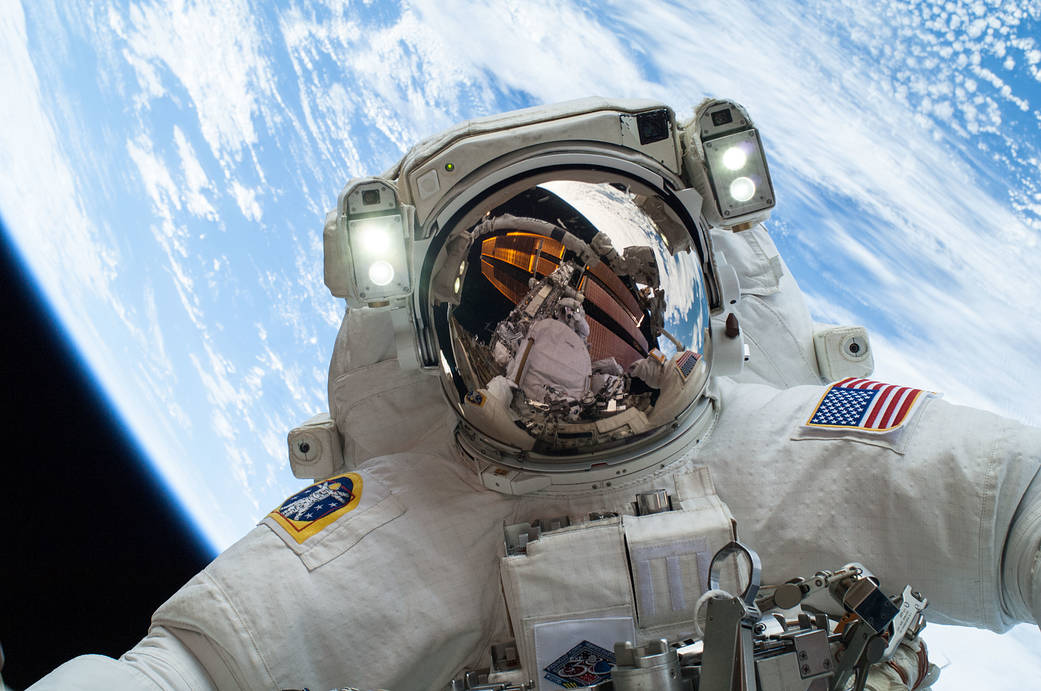 Sensory Starvation: Making Outer Space Smell Like Fresh Cut Grass | Discover magazine