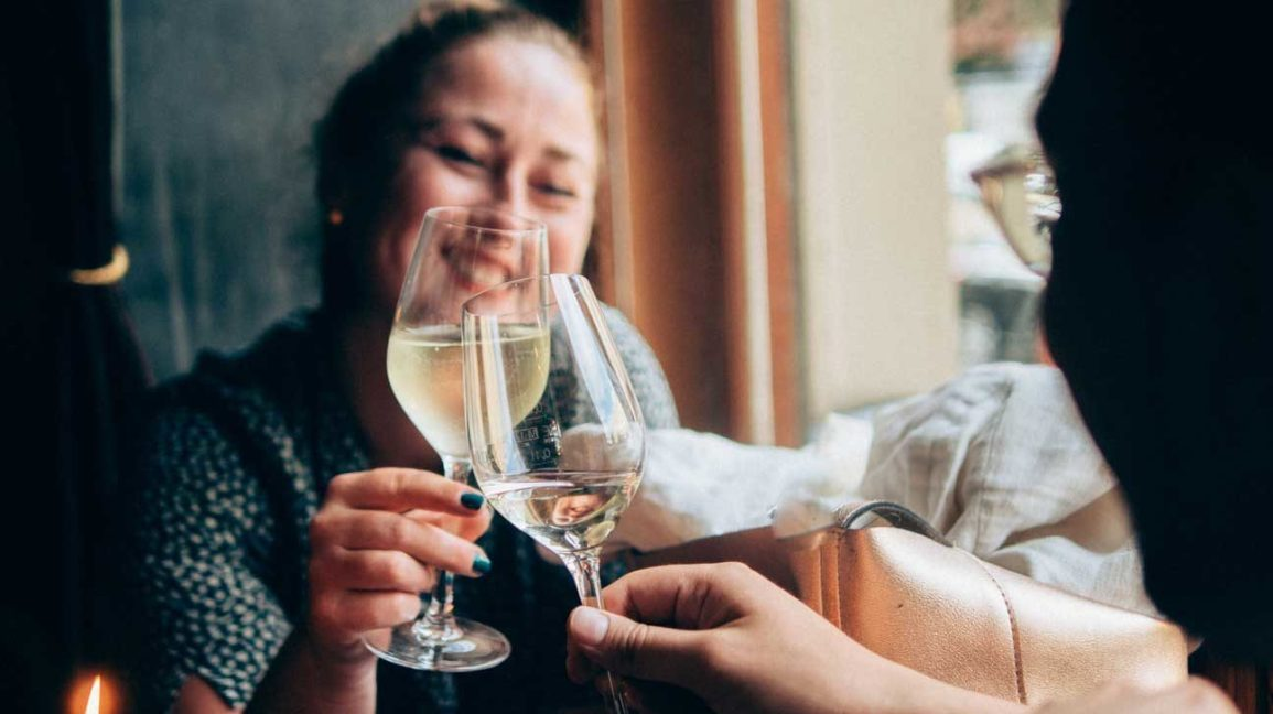 Sulfites in Wine: Uses and Side Effects | Healthline