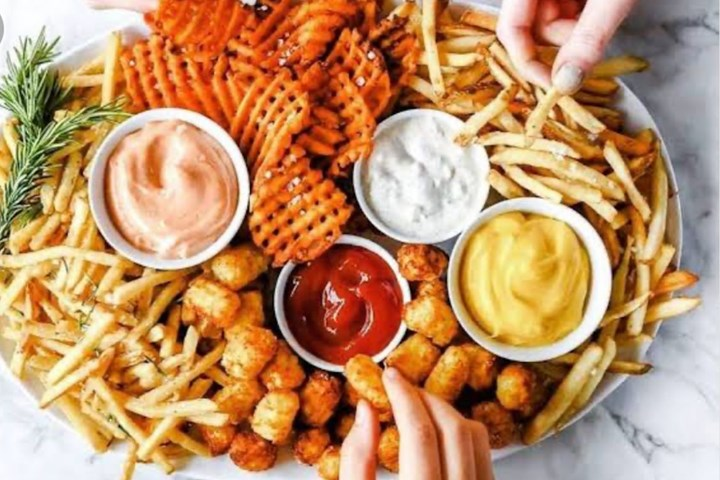 Drooling! 'Fries Boards' Are The Newest Food Trend Of 2020 | 973FM