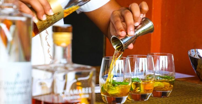 Trend Watch: Freebies, honey-flavoured condiments, and cocktail kits   Restobiz