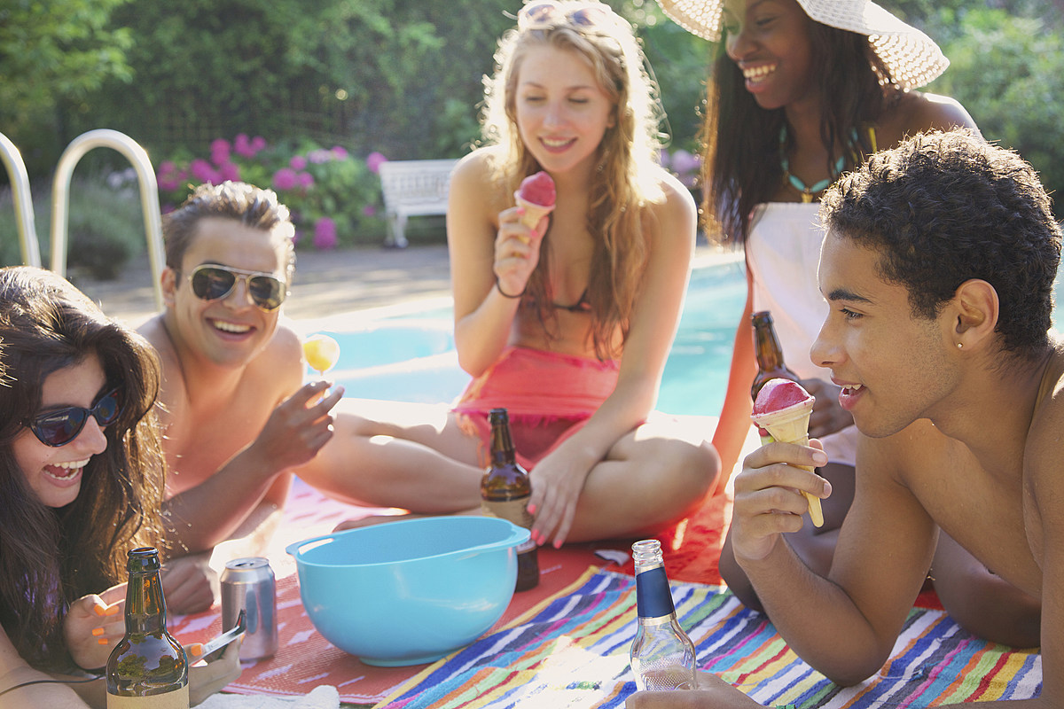 Gen Z is Eating More Plant-Based, Vegan, Fresh & Convenient Food | The beet