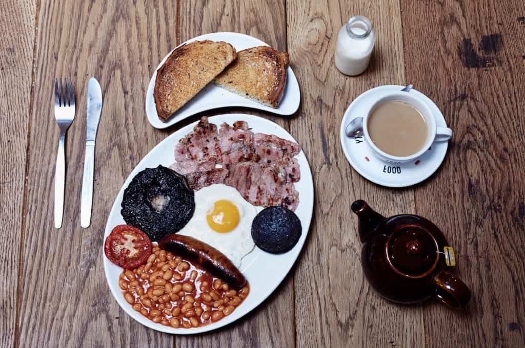 Behavioural neuroscientists say full English breakfasts delights all senses | The London Economic
