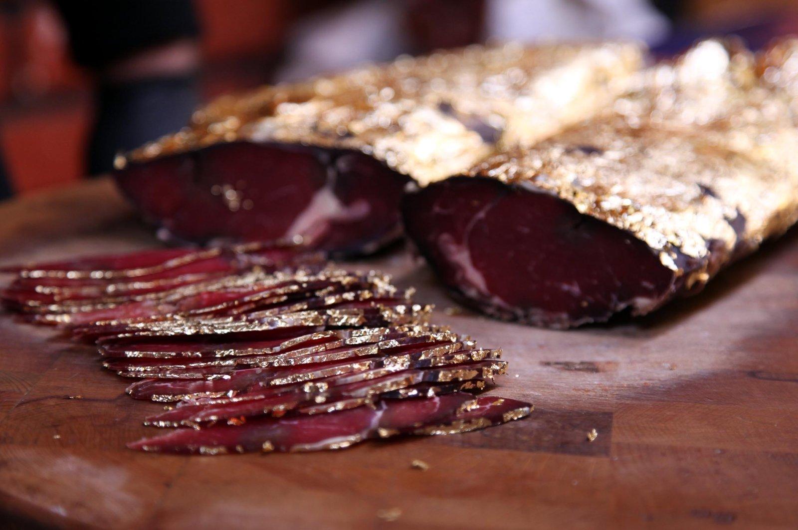 Halal luxury: Kayseri's famed pastırma dripping in edible gold | Daily Sabah